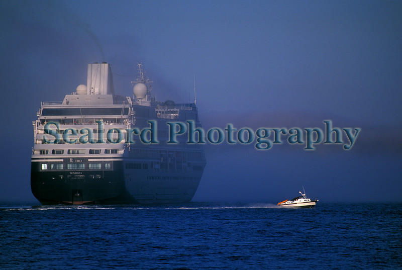 R Two passenger ship enters sea fog in the Little Roussel