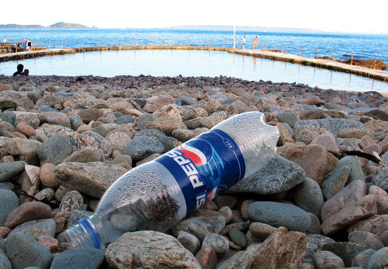 La Valette bathing pools Pepsi bottle litter 020607 084 smg