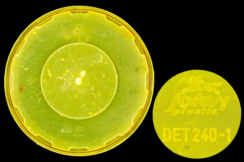 Jokey Plastik yellow lid Petit Port beach clean litter 4827