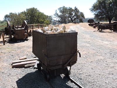 Sutter Creek Then and Now Photo 12 - Kennedy gold mine quartz nuggets