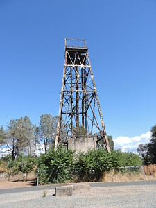 Sutter Creek Then and Now Photo 10 - Central Eureka head frame