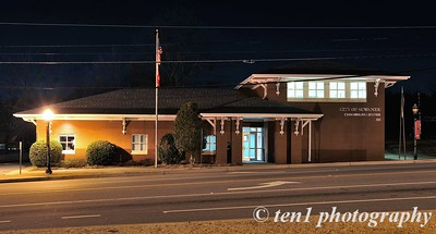 Suwanee Crossroads Center in Downtown Suwanee at night