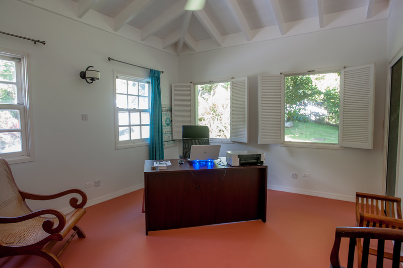 3rd Bedroom or Office with direct access to side veranda