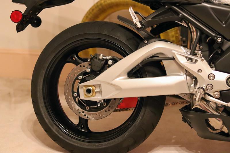 Suzuki B-King -  (5)