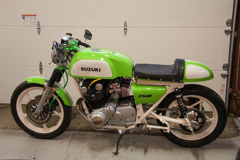 Suzuki GS750 Custom - Extras -  (1)
