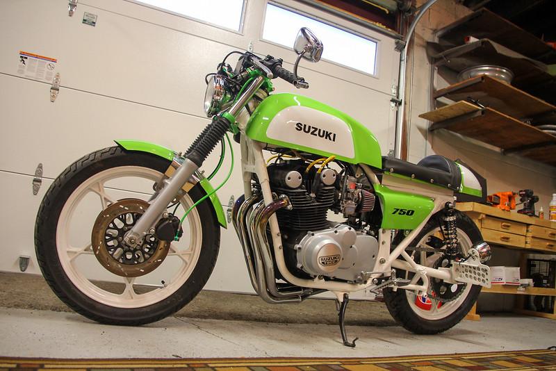 Suzuki GS750 Custom - Extras -  (4)
