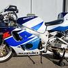 Suzuki GSX-R750 -  (8)