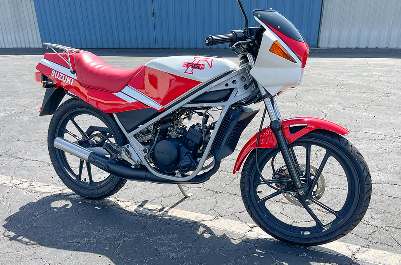 Suzuki RG50 -  (1)