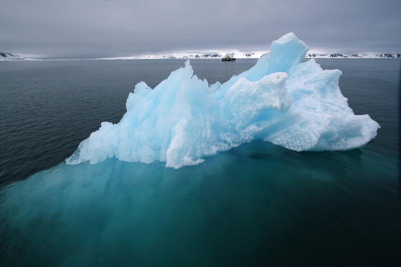 Iceberg and the M/S Origo