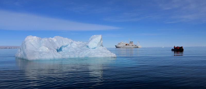 Ice, ship and zodiac off Brasvellbreen