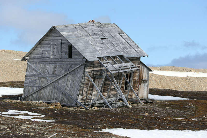 The old hut at Camp Smith (Recherchefjord) which was built in 1904