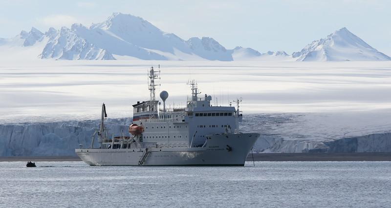 The Sergei Vavilov in Recherchefjord