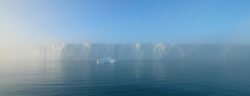 Brasvelbreen through mist