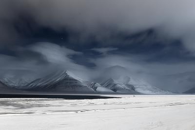 polar night in adventdalen