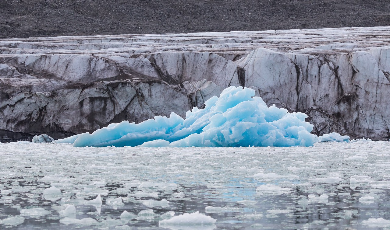 Striking contrast of colours and textures in Monacobreen