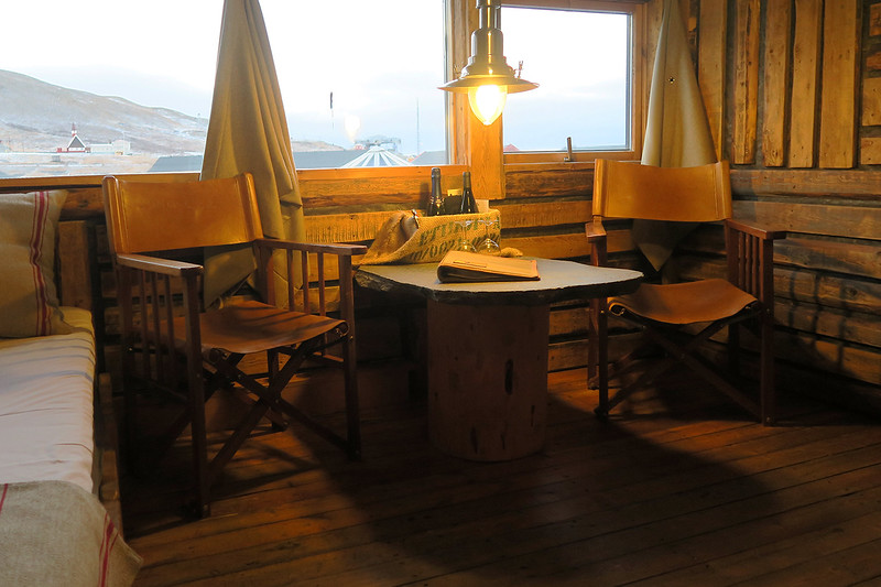 where to stay in longyearbyen svalbard