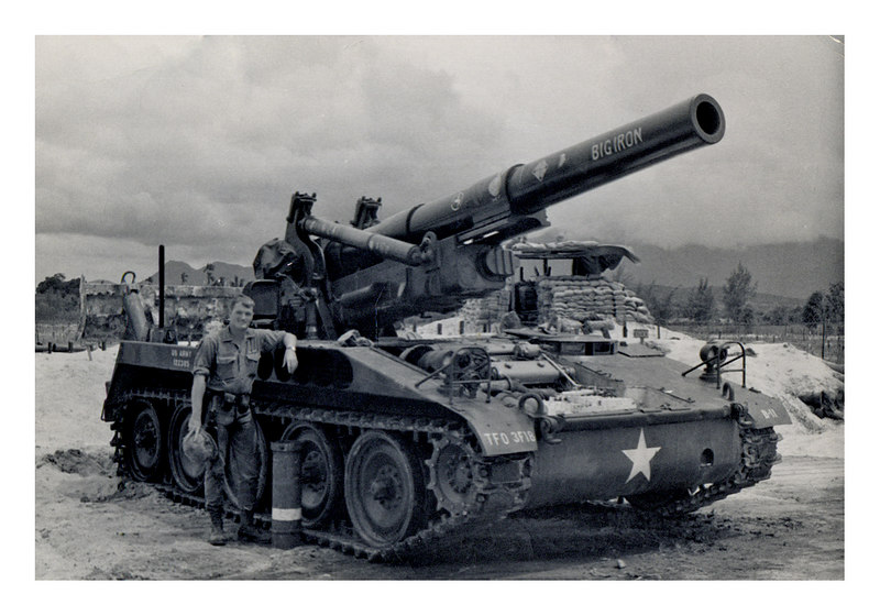 """LCS-72: Larry Swank with one of the 8"""" Guns of Battery B, 3/18th Artillery at Fat City.  Has a life long mid-range hearing loss form from all those big bangs.  Or was that from all the rock-bands in the 60s ?"""