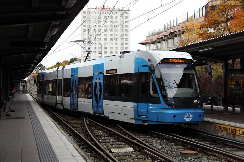 Tram, 430 at Alvik on 23rd October 2017 (2)