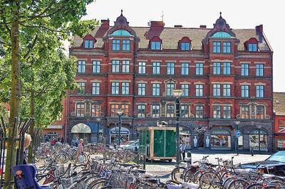 lund-bikes-buildings