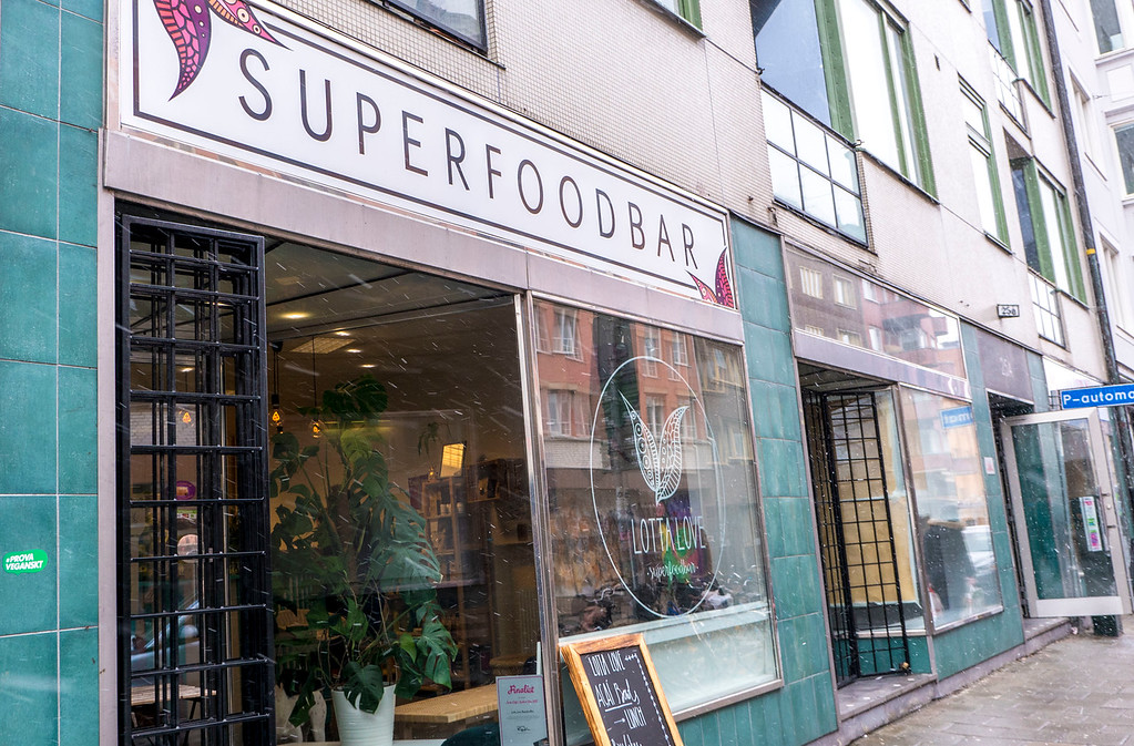 Lotta Love Superfoodbar - Vegan in Malmo Sweden
