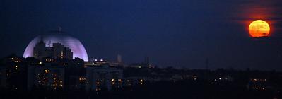 Moon over Globen arena