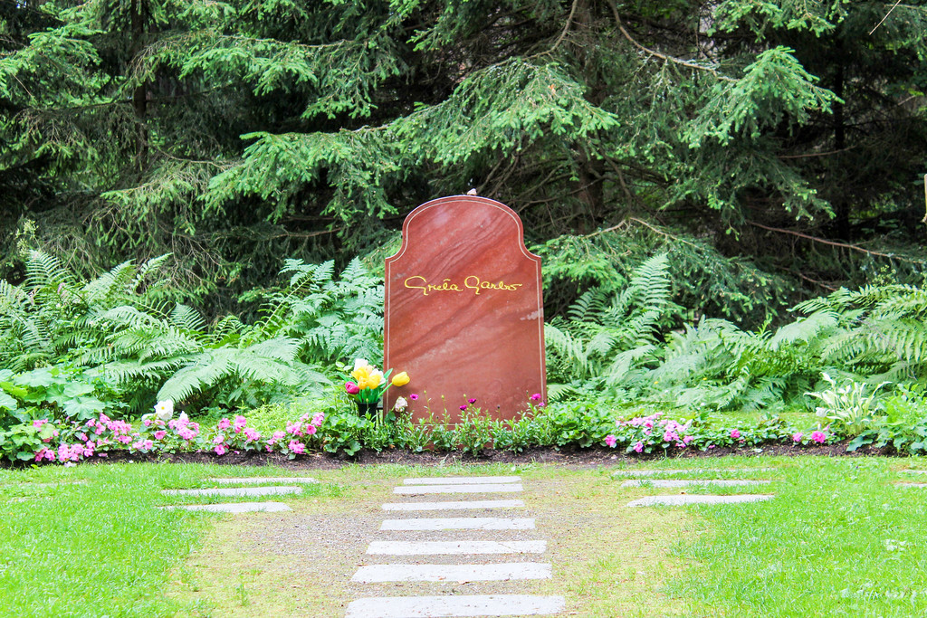 visit greta garbo in woodland cemetery