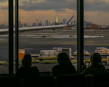 Waiting for the plane in Newark, New Jersey, United States
