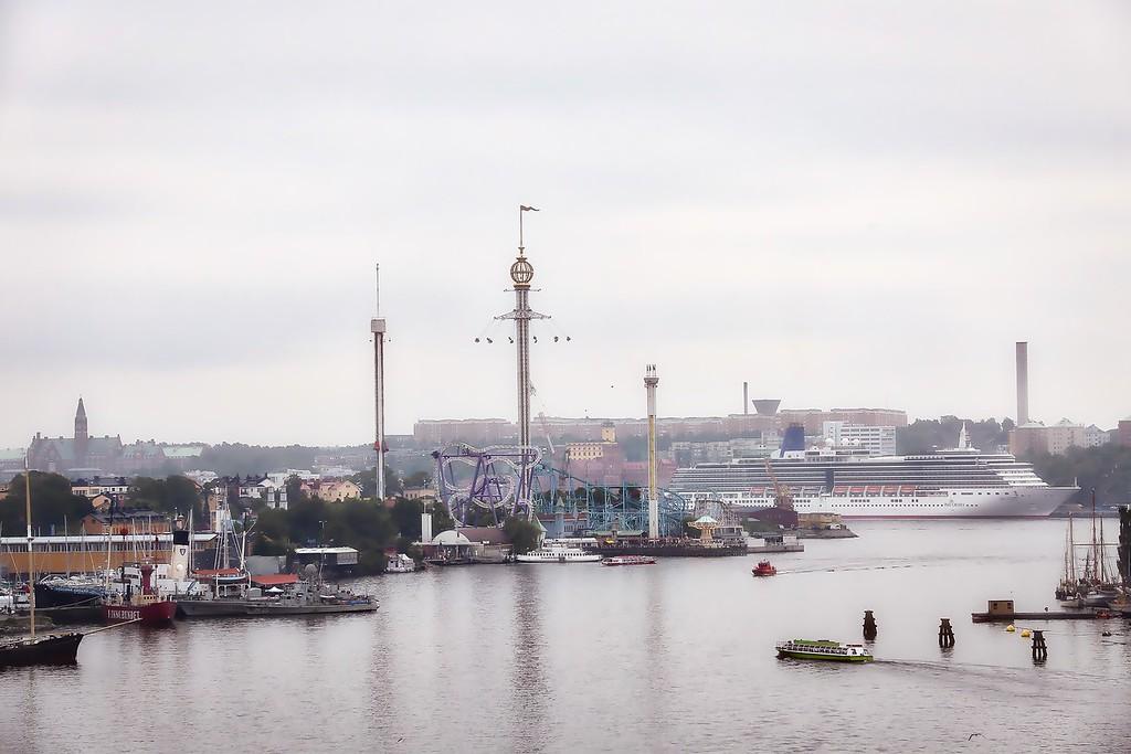 Stockholm Amusement Park - Misty