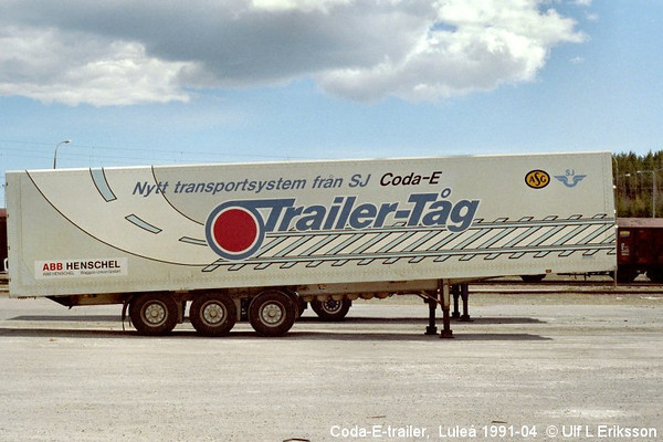 "Coda-E trailer Contar,  ""ASG-SJ Trailer-Tåg"" idle in Luleå 1991-04"