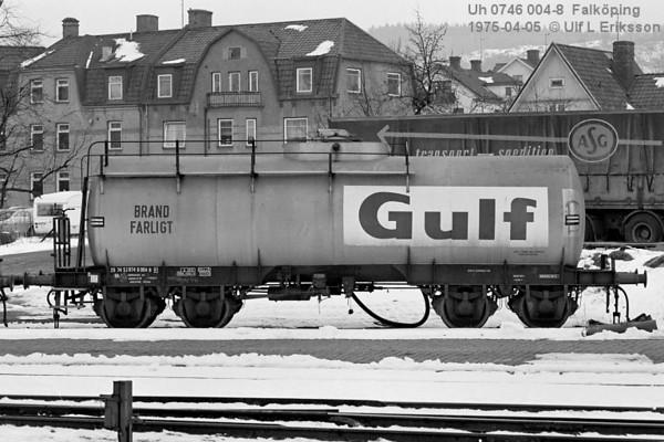74 0746 004-8 .Uh in Falköping 1975-04-05