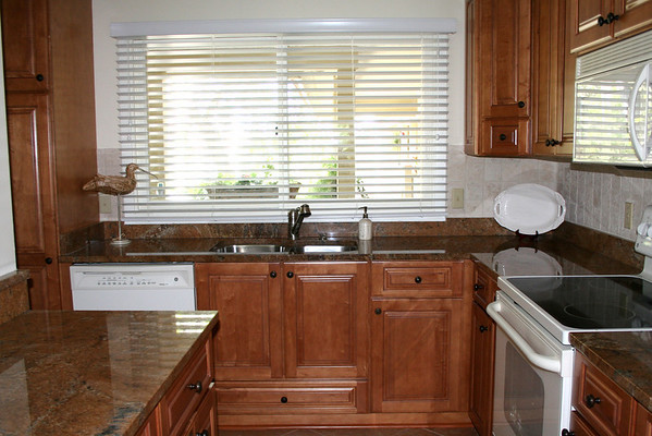 s Newport Villas kitchen 36