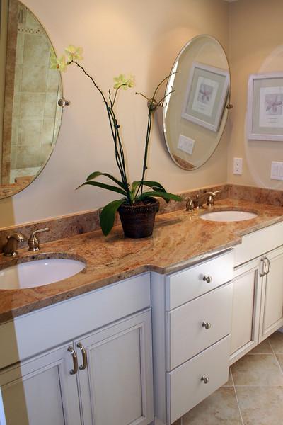 s Newport Villas master bath 9