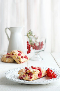 red currant scones