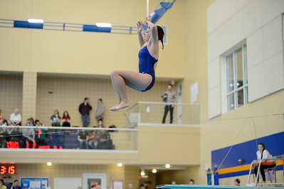 2016 - Macalester Swimming hosts Grinnell   -- Copyright Christopher Mitchell / SportShotPhoto.com