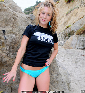 beautiful woman malibu swimsuit model 45surf beautiful 198.4.45.