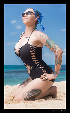 Twisted Cuts - Swimwear - Bella