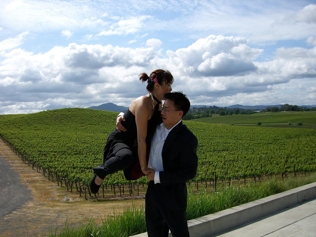 2006 05 20 Sat - Yon Na & Ben Yu lift 1