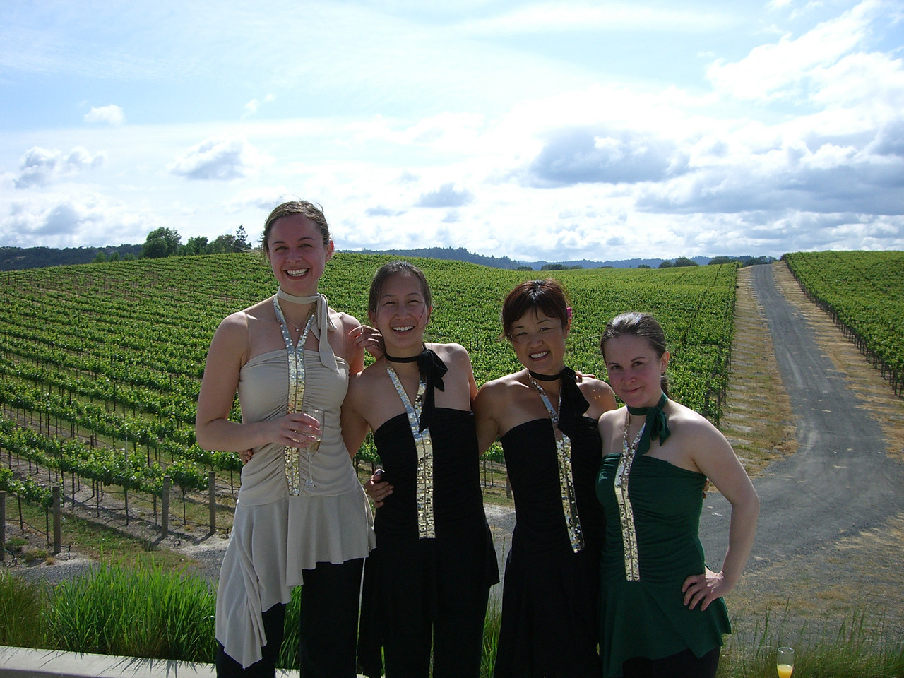 2006 05 20 Sat - Ladies & Grapes - Sarah Palethorpe, Evonne Chiu, Yon Na, & Jeanne Guzzetta