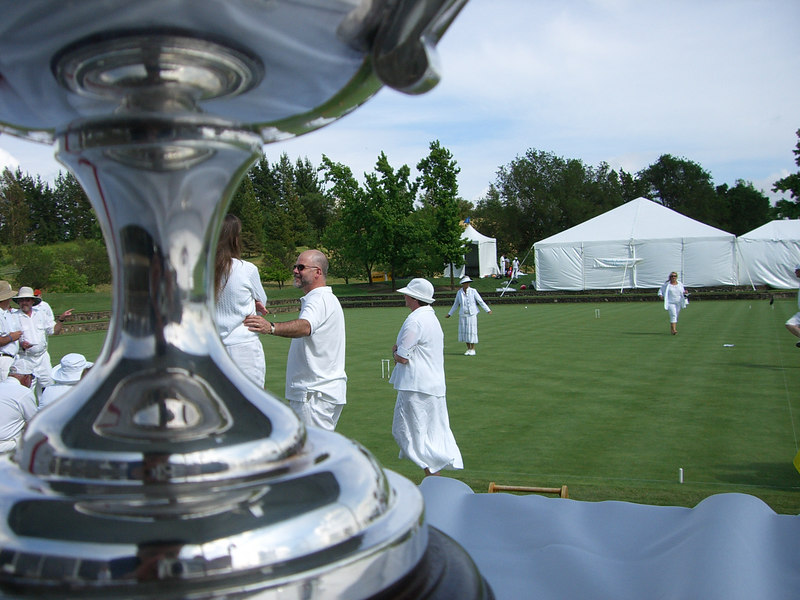 2006 05 20 Sat - Croquet players & trophy 2