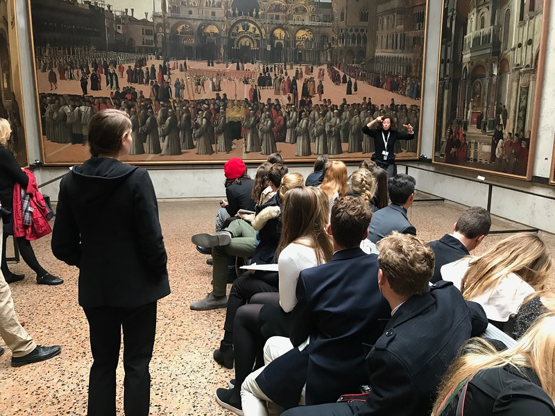 The tour of the Accademia with Elisabetta Morelli as tour guide