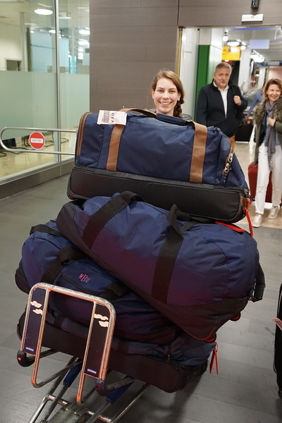 Ms. Perry with more luggage (not all her's)