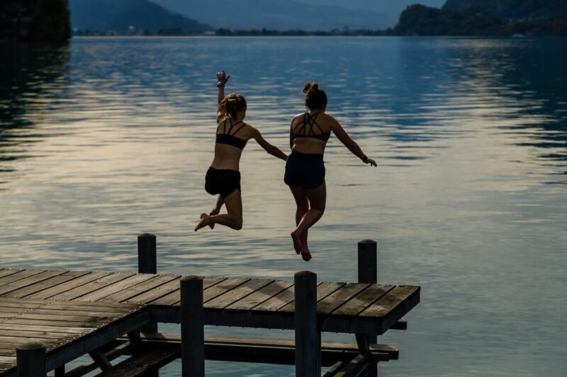 Jumping into Lake Brienz