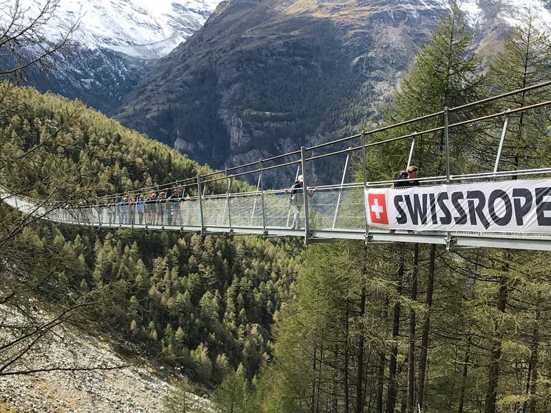 Swiss Semester crossing the suspension bridge