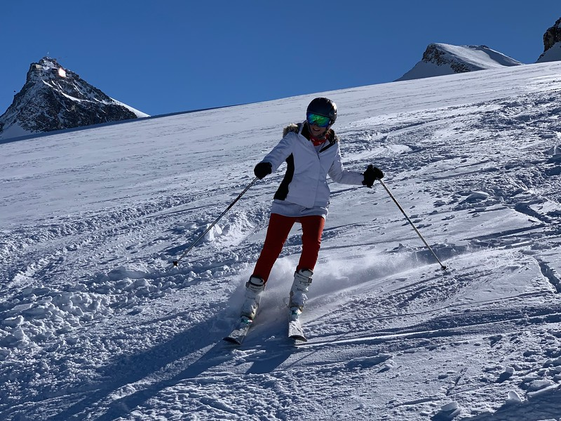 Kate making her way in the powder off-piste