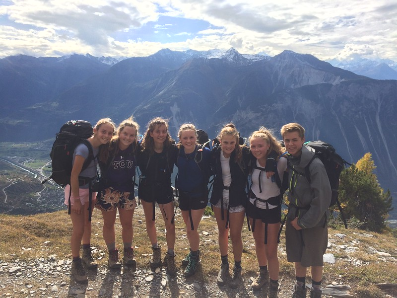 Trixie, Tessa, Sophia, Constance, Kate, Liza, and Michael on the Leukerbad hike
