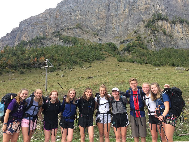 The Leukerbad hike group: Tessa, Trixie, Emily, Constance, Sophia, Kate, Amanda, Michael, Liza, and Emerson.