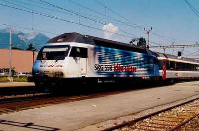 460 020 at Aigle on 14th June 2003