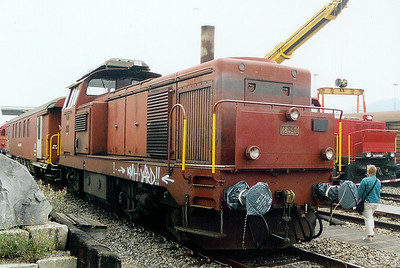 18425 at Limmattal Yard on 6th September 2003