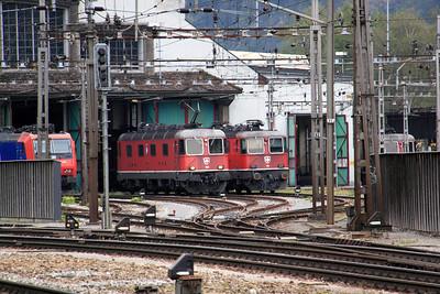 11632 & 11167 at Erstfeld on 15th September 2009