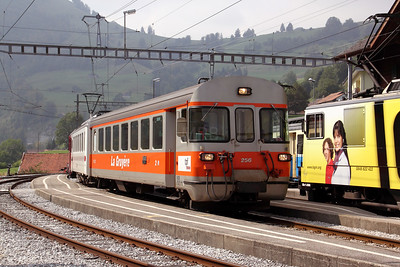 Tpf, 256 at Montbovon on 11th September 2009